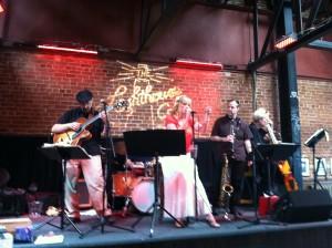 Jazz Vocalist Donna Deussen